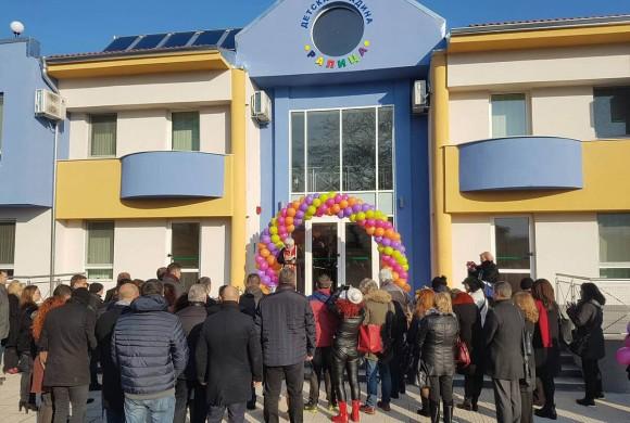 Новото крило на детска градина Ралица вече очаква своите малки приятели