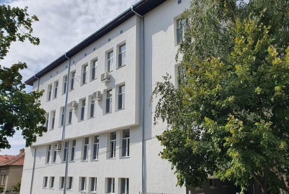 Саниране и ремонт на административна сграда на КЕЦ Карлово